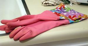 Перчатки резиновые с украшением